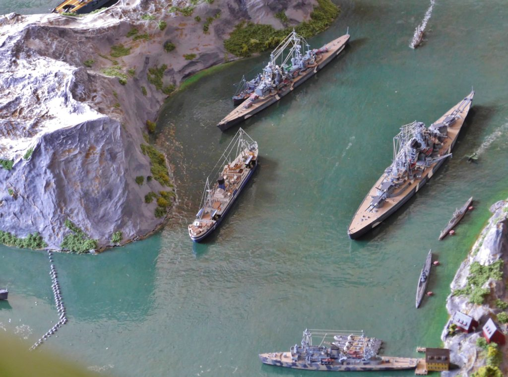 Die deutsche Flotte in einem fiktiven Fjord / 1:700