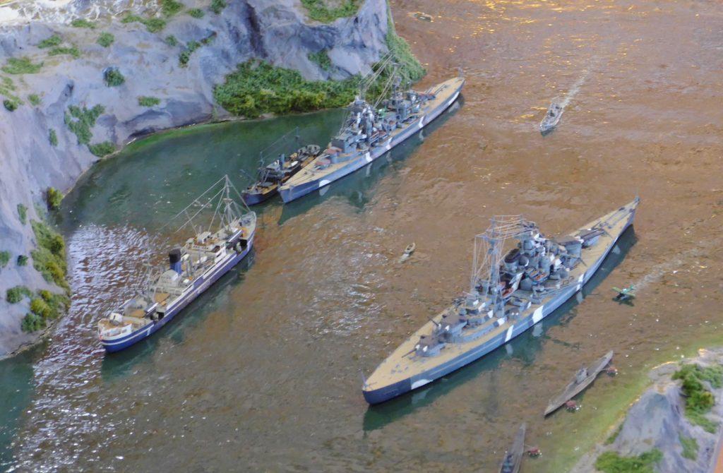 Bismarck, Prinz Eugen, HK Pinguin, U-Boote u. Vorposten-Boot / 1:700