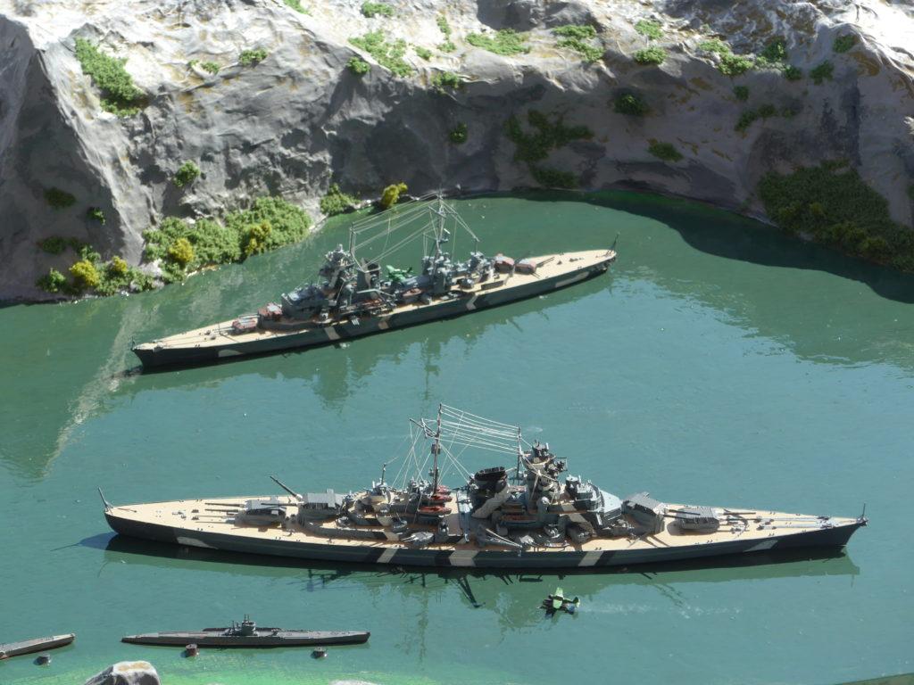 Bismarck, Prinz Eugen, U-Boote / 1:700
