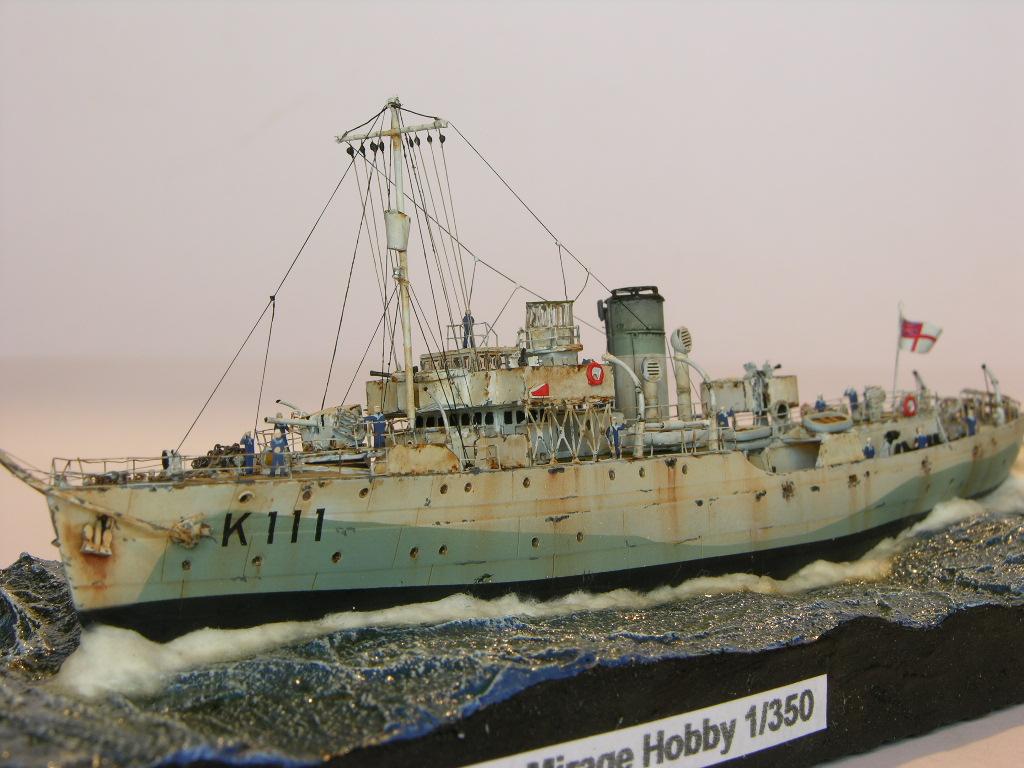 Andreas Martin / Flower Class Corvette HMS Pennywort / 1:350 / Mirage Hobby